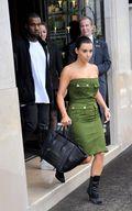 Kardashian pictures e