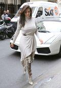 Kim kardashian pics b