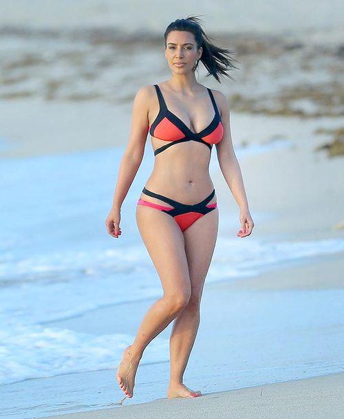 Kim Kardashian bikini in Miami f
